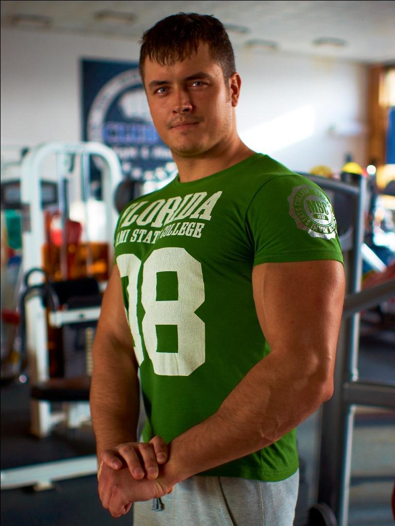 Силачев Евгений, инструктор тренажерного зала фитнес клуба 18 на коломенской